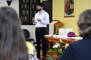 Humberto conduziu a reflexão acerca da evangelização, da espiritualidade e da construção do conhecimento, na escola confessional.jpg